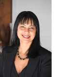 Audrey Goetz, Professionals McDermott Estate Agents - Robina