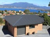 2/11 Tennent Court, Howrah, Tas 7018