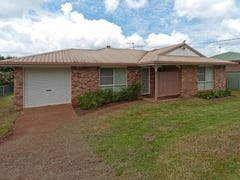 454 West St, Kearneys Spring, Qld 4350