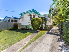 20 Bailey Street, Woody Point, Qld 4019