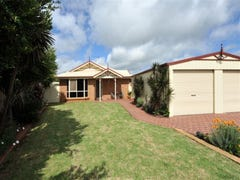 2 Bernborough Court, Glenvale, Qld 4350