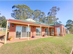 51 Molesworth Court, Gordon, Vic 3345