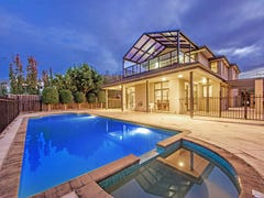 18 Sandlewood La, Sanctuary Lakes, Vic 3030