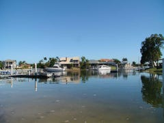 17 Dobell Avenue, Paradise Point, Qld 4216