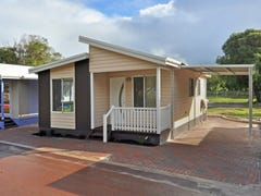 Park Home 2,8 Medcalf Parade, Emu Point, WA 6330