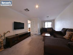 15 Monaltrie Loop, Carramar, WA 6031