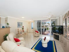 2 Villas de la Plage 3 Federation Avenue, Broadbeach, Qld 4218