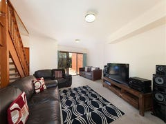 2/75 Bellevue Terrace, St Lucia, Qld 4067