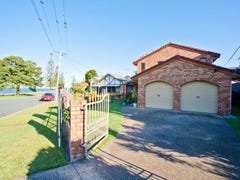 19 Kennedy Esplanade, Scarborough, Qld 4020