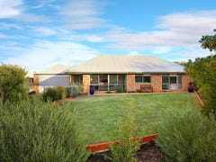 2 Janine Court, Somerville, Vic 3912