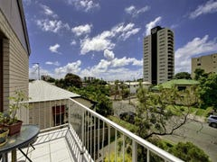 7/14 Norman St, Southport, Qld 4215