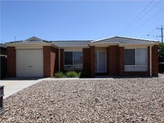 4 Broombush Court, Truganina, Vic 3029