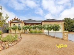 17 Pro Hart Way, Caroline Springs, Vic 3023