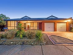 7 Clifton Court, Taylors Lakes, Vic 3038