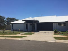 Duplex 12 Rosehill Road, Emerald, Qld 4720