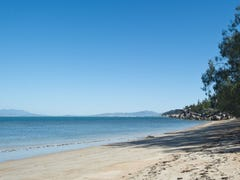 32 Marine Pde, Nelly Bay, Magnetic Island, Qld 4819