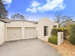 2/21 McNicoll Place, Hughes, ACT 2605