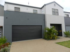 8/1 Michel Place 'Park Avenue', Telina, Qld 4680