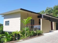 30/9 Savaii Close, Palm Cove, Qld 4879