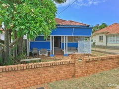 135 Landsborough Avenue, Scarborough, Qld 4020