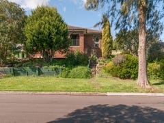 8 and 8a Westwood Pass, Chirnside Park, Vic 3116