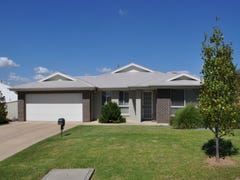 21 Dundale Crescent, Estella, NSW 2650