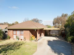 24 MOSCRIPT STREET, Campbells Creek, Vic 3451