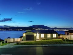 32 Spinnaker Crescent, Tranmere, Tas 7018