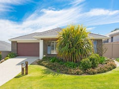 52 Newcastle Drive, Pottsville, NSW 2489