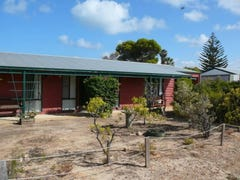 2 Coubrough Place, Jurien Bay, WA 6516