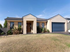 19 Killarney Crescent, Pakenham, Vic 3810