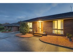 2/5 Grant Road, Somerville, Vic 3912
