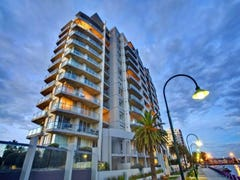 902/127 Beach Street, Port Melbourne, Vic 3207
