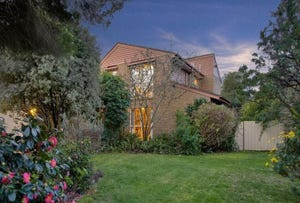 33 Cambrian Crescent, Wheelers Hill, Vic 3150