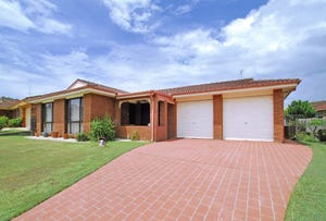 25 Murrumbidgee Cres, Bateau Bay, NSW 2261