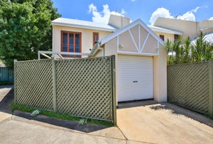 Unit 5, 2 Sharon Court, Darling Heights, Qld 4350