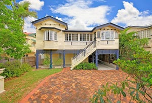 90 Bennetts Road, Camp Hill, Qld 4152