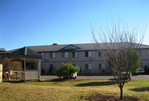 9/5-7 Uniplaza Court, Kearneys Spring, Qld 4350
