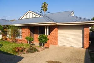 2/387 Parnall Street, Lavington, NSW 2641