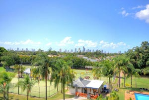 28/11 Fairway Drive, Clear Island Waters, Qld 4226