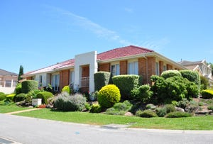 15 Crouch  Crt, Doncaster, Vic 3108
