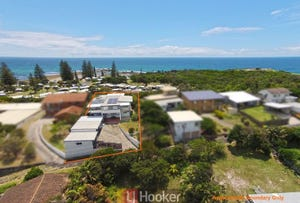 142 Ocean Road, Brooms Head, NSW 2463
