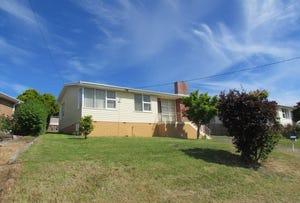 8 Langura Avenue, Chigwell, Tas 7011