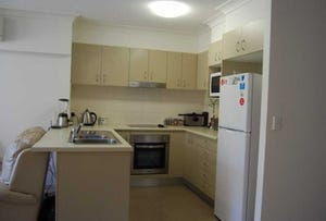 Unit 3,13D Wyndham Ave, Southport, Qld 4215