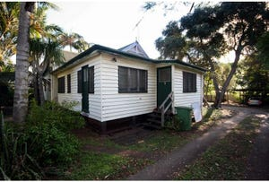 87 Victoria Avenue, Woody Point, Qld 4019