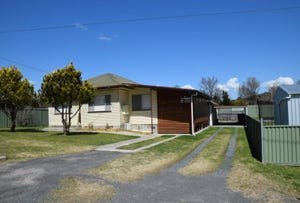 3 CLIVE STREET, Tenterfield, NSW 2372