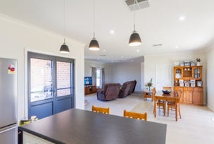 42 Rothbury Road, Cowra, NSW 2794