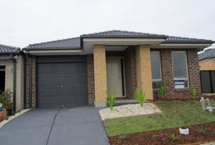 21 Calabrese Circuit, Clyde North, Vic 3978