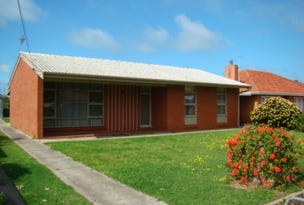 8 Churchill Road, Victor Harbor, SA 5211