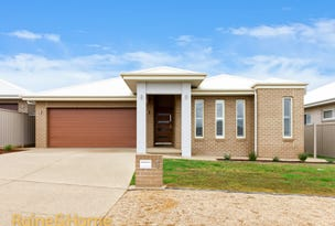 1 Preston Crescent, Lloyd, NSW 2650